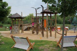 Spielplatz-Legoland-Feriendorf